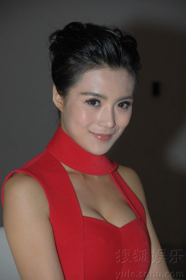 《变4》中国首映礼性感女神赵茜华丽可以女孩短发性感亮相歌词的也图片