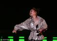蔡依林劲歌热舞秀上围 嘻哈衣着燃爆全场