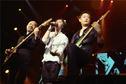 黑豹乐队30周年演唱会落幕 千人合唱致敬经典