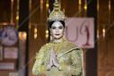 """壕!泰国环球小姐选手身穿""""30万粒钻石"""""""