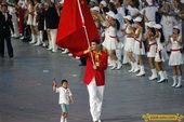 2008年8月8日晚,中国军团亮相鸟巢,旗手姚明代表了东方高度。