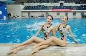 日前,花样游泳运动员梁馨枰庆祝团队夺冠,并憧憬即将到来的全运会。
