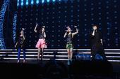 """搜狐娱乐讯 """"女子天团""""S.H.E《2GETHER 4EVER》2014安可场8月9号、10号唱回台..."""