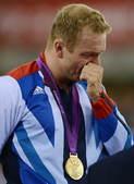 北京时间8月8日00点57分,自行车男子凯林赛决赛如期进行。结果,英国名将克里斯-霍伊顺利夺冠,完成...