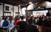 2015年乌镇戏剧节,10月22日,组委会零时发起一场原本不在计划内的小镇对话,出席对话的有黄磊,周...