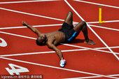 当地时间2012年7月20日,英国伯明翰大学,博尔特训练备战伦敦奥运。