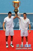 北京时间10月9日,2011年中国网球公开赛进入到最后一个比赛日。在男双决赛中,3号种子罗德拉/泽蒙...