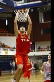 北京时间6月6日16时,中国男篮教学赛在北京体育大学体育馆进行。经过四节较量,杜锋挂帅的蓝队以85-...