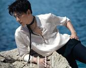 搜狐娱乐讯 近日杨洋的一组杂志大片曝光,只见杨洋眉目清秀,眼神忧郁,帅气逼人。