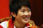 当地时间2012年8月10日,伦敦,2012年伦敦奥运会女子十米台跳水冠军陈若琳做客中国之家并接受记...
