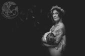 """摄影师Sarah Murnane进行了一项""""澳大利亚母乳喂养项目"""",她希望通过这组黑白照片让大家都支..."""
