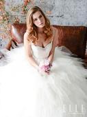 Eden Bridal 这一季的婚纱用经典来形容不为过,没有太多得时尚元素,不玩过多前卫时髦。毕竟大...