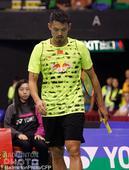 北京时间11月19日,在中国香港举行的,2015香港羽毛球公开赛男单次轮,伍家朗2-0林丹。林丹赛后...