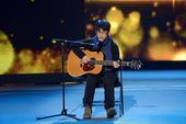 搜狐娱乐讯 与霍尊的全面开花相比,莫西子诗在《中国好歌曲》结束之后,尽管商演报价也达到15万上下,但...