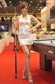 黄美姬,韩国当红模特,出生于1982年2月14日,身高1.74米、体重51公斤。丰满挺拔的黄美姬面容...