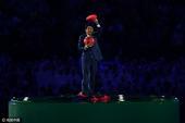 """北京时间8月22日消息,2016年里约奥运会闭幕式在马拉卡纳球场进行。最引人瞩目的环节莫过于""""东京八..."""