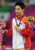 北京时间2012年8月5日,伦敦奥运会,邹凯自由操成功卫冕。更多奥运视频>> 更多奥运图片>> ...