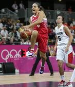 北京时间7月28日下午,2012年伦敦奥运会女篮比赛展开,在B组的一场较量中,俄罗斯女篮在末节一度落...