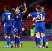 搜狐体育讯 北京时间7月29日2点45分,伦敦奥运会女足比赛G组迎来第二轮的较量。经过90分钟的激战...
