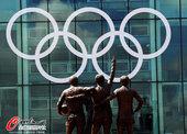 2012年7月19日,2012年伦敦奥运会,老特拉福德球场装饰奥运五环标志。老特拉福德球场是...