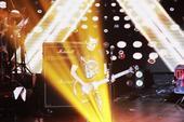 """上周五,著名新加坡歌手、音乐创作人黄义达""""双城记""""LIVE巡演在北京完美收官,黄义达独有的""""义式摇滚..."""