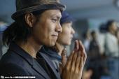 搜狐娱乐讯 9月30日晚,李娜在北京钻石球场举办了自己的退役仪式,简短但温暖的仪式,让在场的球迷动容...