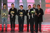 搜狐视频电视剧盛典于2012年1月11日举行。作为国内首个评选规则完全公开、透明,评审团...