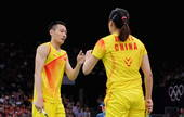 北京时间7月29日,伦敦奥运会羽毛球比赛展开第二比赛日的争夺。在混双A组的一场对决当中,中国组合张楠...