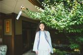 近日,禅意歌者刘珂矣发布了一组名为『夏日梦田』的清凉主题写真。照片中的刘珂矣一袭长发披肩,素雅白衣搭...