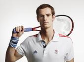 英国网球名将穆勒拍摄写真,造型炫酷,潇洒挥拍帅气十足。