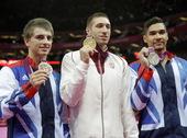 北京时间8月5日,伦敦奥运会体操比赛男子鞍马决赛结束。最终匈牙利名将贝基凭借更高的完成分,击败同分的...