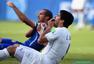 世界杯粗野瞬间:飞踹流血频现 功夫足球太残暴