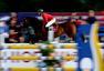 高清图:国际马术场地障碍赛举行 赛马腾空翻越