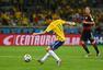 进球回放:奥斯卡中路推射破门 巴西进球挽颜面