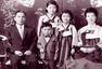 """""""国民女儿""""朴槿惠 韩国第一女总统的穿衣时尚"""
