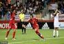 U20女足世界杯朝鲜夺冠 捧杯狂欢答谢球迷(图)