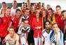 高清图:德国队幸运女神默克尔 每穿红必有好运