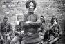 战争中的女人:英勇不屈 笑赴刑场
