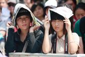 """""""2009杭州・西湖现代音乐节""""昨天开幕,各式各样的摇滚、民谣、Indie争奇斗艳,到场乐迷大呼过瘾..."""
