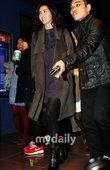 搜狐新韩线讯 11月30日晚,韩国影片《女演员们》在首尔三星洞举行了VIP首映仪式。因为影片聚集了众...