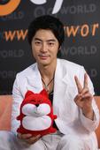 2007年6月,来京参加橙色盛典的JUNJIN,接受了搜狐韩娱的特别专访。玟雨与JUNJIN性格大有...