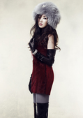 搜狐新韩线讯 崔贞媛日前拍摄一组新写真,奢华皮草配上天生美丽面容,颇有冷艳女王范儿。