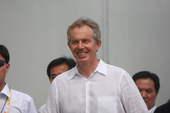 8月20日,布莱尔造访奥运村,受到众人追捧。搜狐体育 京津/摄