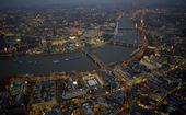 古老的伦敦也能如此五光十色,性感妖娆,透出诱人的美色……
