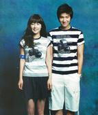国际在线报道 近日,韩国影星李民浩和韩智慧拍摄了一组写真。两人配合默契,笑容温暖,仿佛情侣一般。