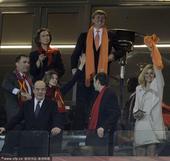 2010年7月11日,南非约翰内斯堡,2010世界杯决赛,荷兰VS西班牙,荷兰王储和西班牙王储携王妃...