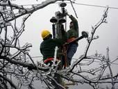 2003年,由于煤荒,中国的高速发展对电力的需求出现了供应严重不足。当年,全国21个省级电网拉闸限电...
