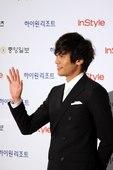 搜狐韩娱讯 第46届百想颁奖典礼于3月26日在韩国举行,图为百想红毯秀。