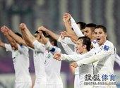 北京时间1月22日凌晨00点25分,2011年亚洲杯足球赛展开第二场1/4决赛争夺。乌兹别克斯坦队依...