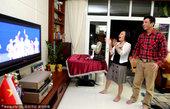 2010年11月12日晚,第16届亚运会在广州珠江中心的海心沙岛拉开帷幕,晚间22点25分,奥运冠军...